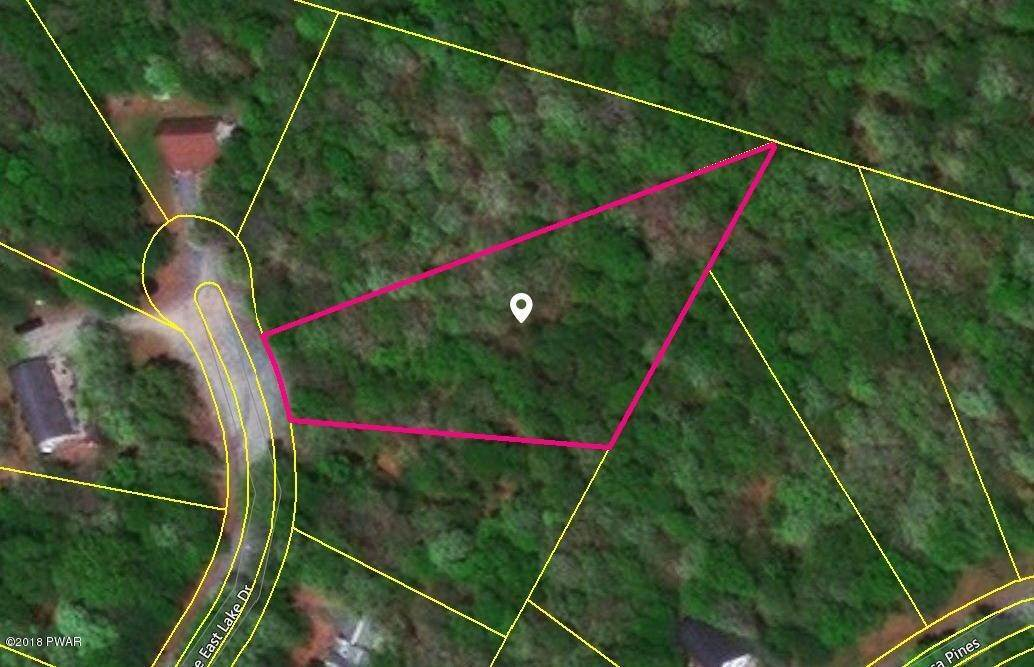 Land for Sale at Lot 8 Woodledge East Lake Dr Hawley, Pennsylvania 18428 United States