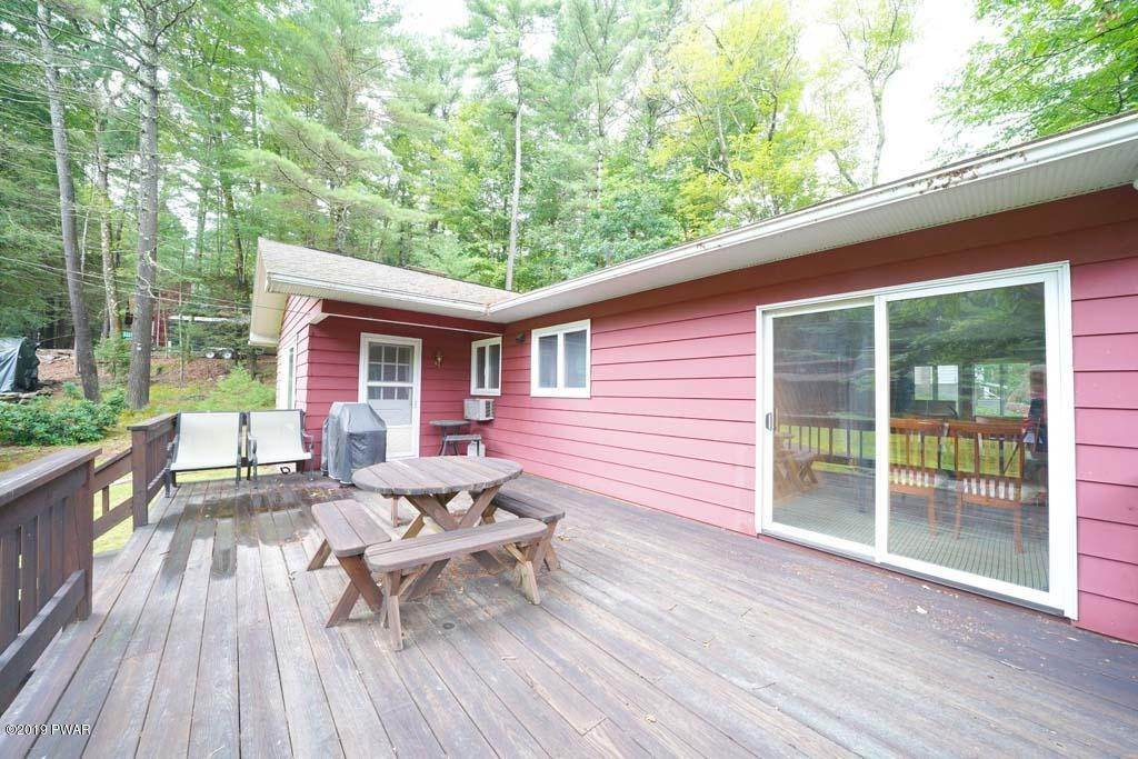 12. Single Family Homes for Sale at 101 Sunny Side Rd Tafton, Pennsylvania 18464 United States
