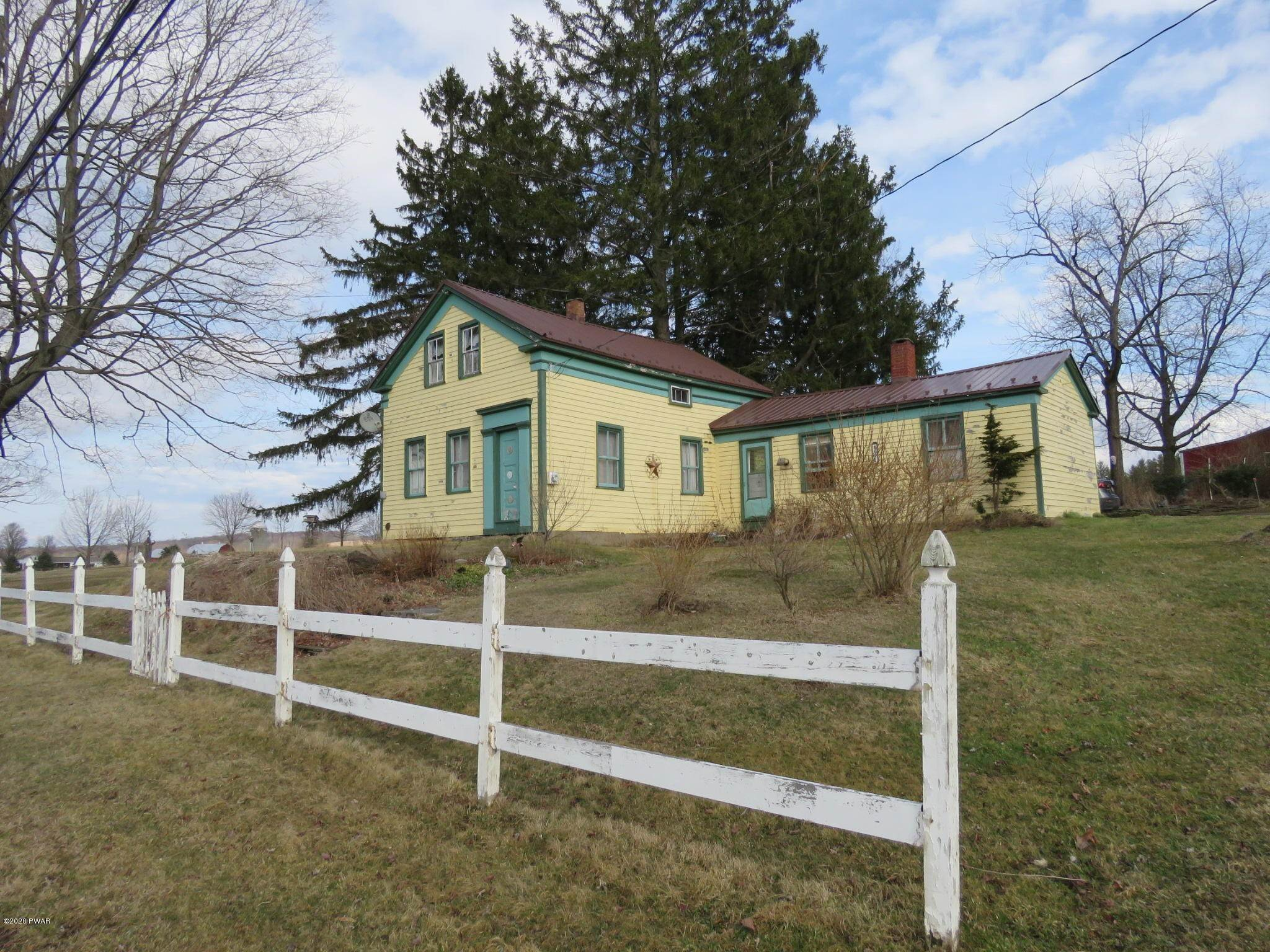 Single Family Homes for Sale at 494 Belmont Tpke Waymart, Pennsylvania 18472 United States