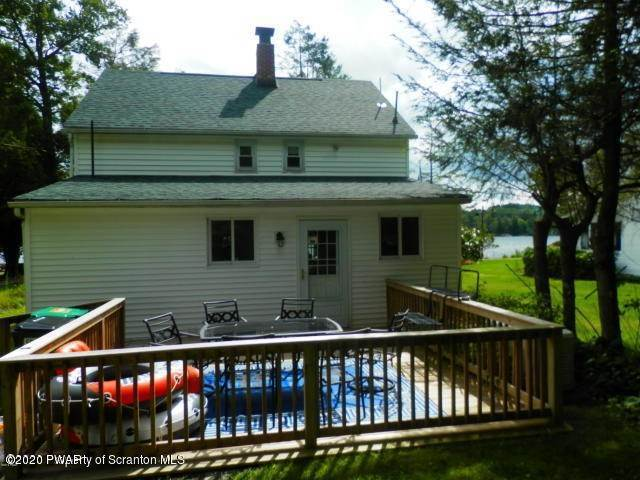 23. Single Family Homes for Sale at 224 W Shore Dr Lake Ariel, Pennsylvania 18436 United States