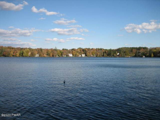 27. Single Family Homes for Sale at 224 W Shore Dr Lake Ariel, Pennsylvania 18436 United States