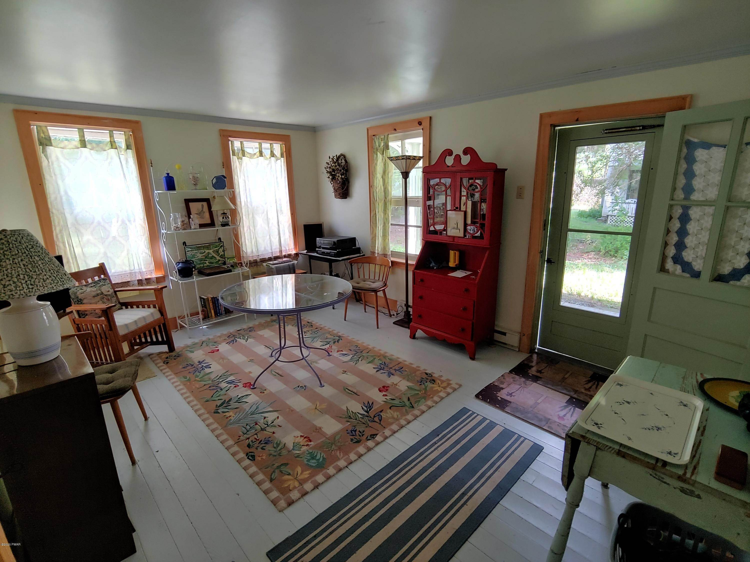 9. Single Family Homes for Sale at 4344 Hancock Hwy Equinunk, Pennsylvania 18417 United States