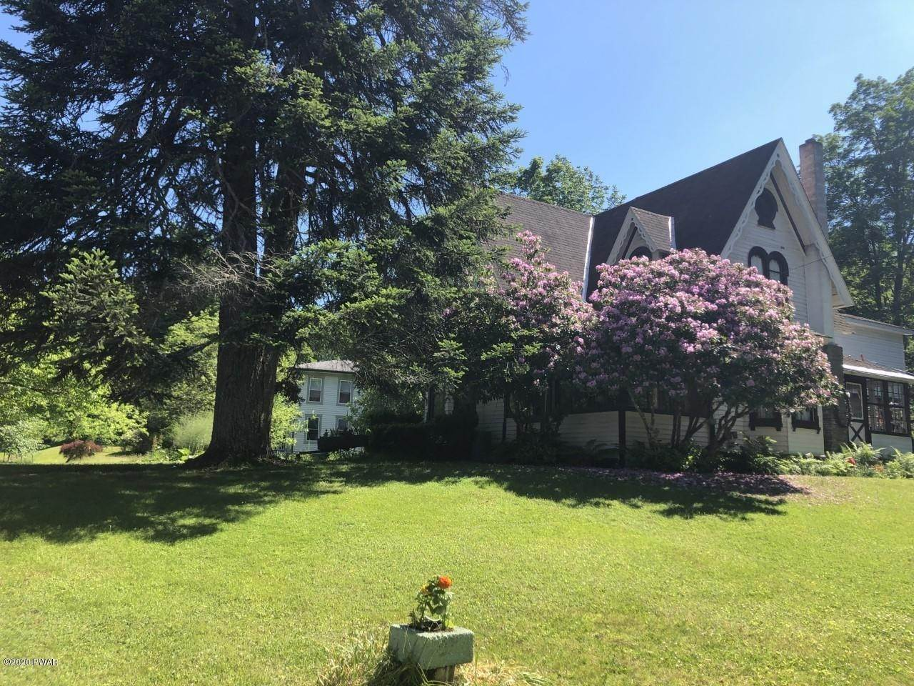 4. Single Family Homes for Sale at 4337 Hancock Highway Hwy Equinunk, Pennsylvania 18417 United States