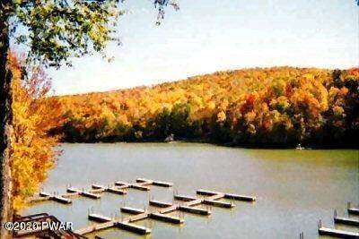 25. Single Family Homes for Sale at 7 Raccoon Circle Lake Ariel, Pennsylvania 18436 United States