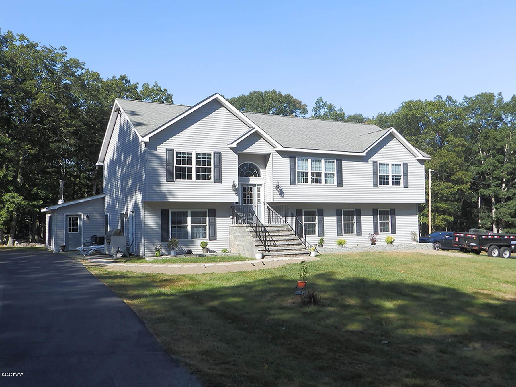 3. Single Family Homes for Sale at 100 Elm Cove Dingmans Ferry, Pennsylvania 18328 United States