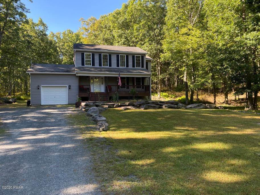 Single Family Homes for Sale at 149 Lakeview Cir Hawley, Pennsylvania 18428 United States