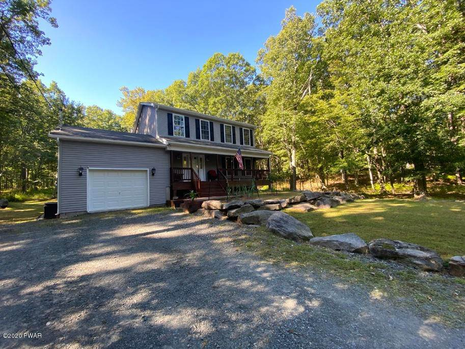 26. Single Family Homes for Sale at 149 Lakeview Cir Hawley, Pennsylvania 18428 United States