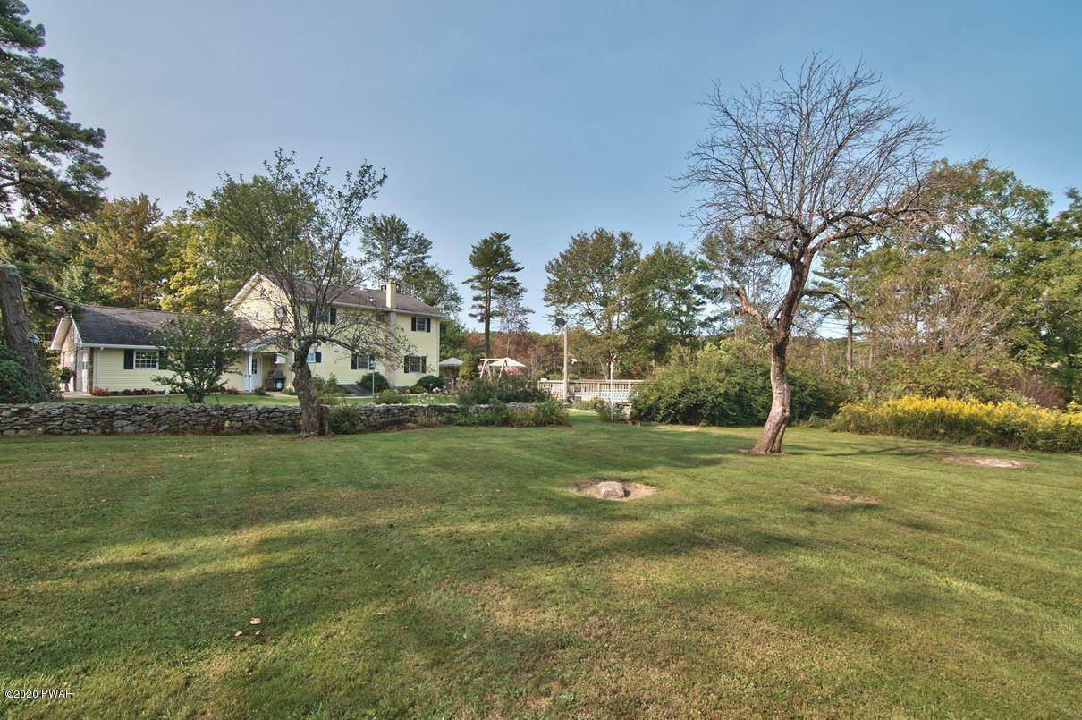 77. Single Family Homes for Sale at 3511 Aberdeen Rd Madison Township, Pennsylvania 18444 United States