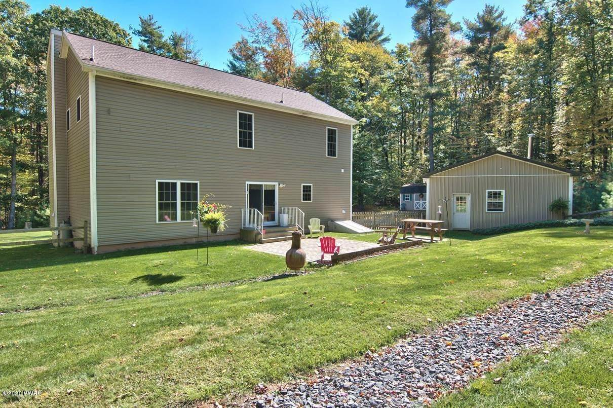 2. Single Family Homes for Sale at 59 Deer Run Rd Lakeville, Pennsylvania 18438 United States