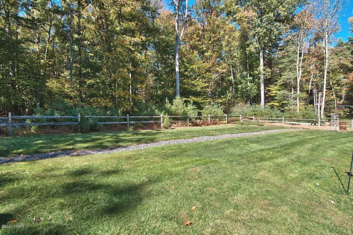 47. Single Family Homes for Sale at 59 Deer Run Rd Lakeville, Pennsylvania 18438 United States
