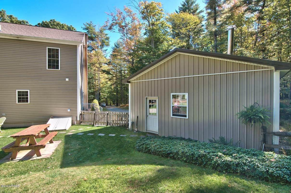 48. Single Family Homes for Sale at 59 Deer Run Rd Lakeville, Pennsylvania 18438 United States