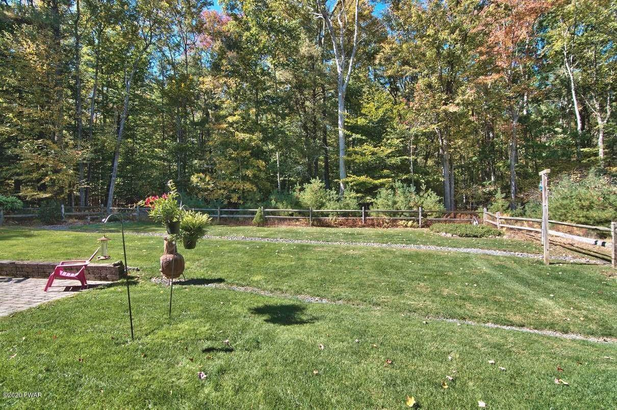 49. Single Family Homes for Sale at 59 Deer Run Rd Lakeville, Pennsylvania 18438 United States