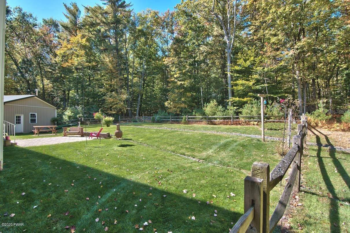 50. Single Family Homes for Sale at 59 Deer Run Rd Lakeville, Pennsylvania 18438 United States