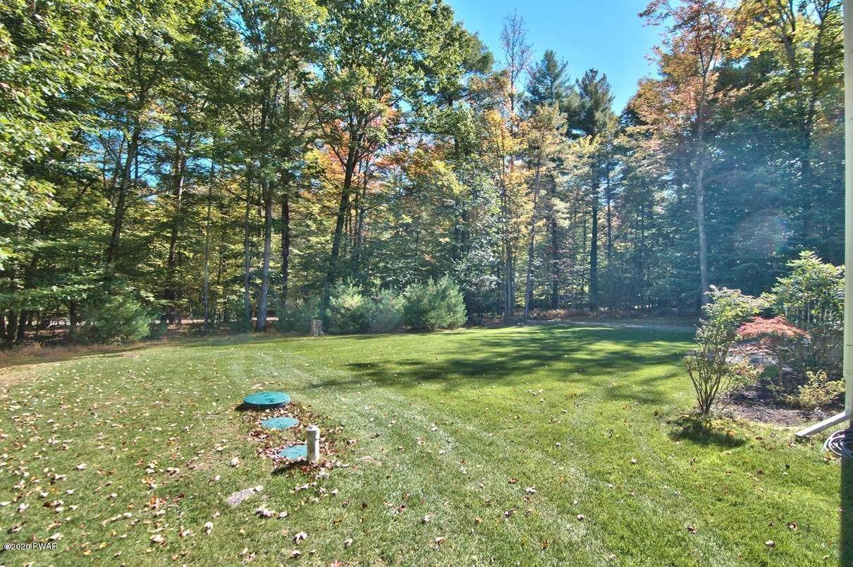 51. Single Family Homes for Sale at 59 Deer Run Rd Lakeville, Pennsylvania 18438 United States