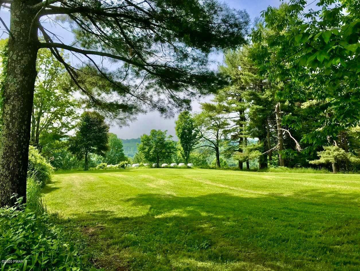 31. Single Family Homes for Sale at 1378 Cochecton Tpke Tyler Hill, Pennsylvania 18469 United States