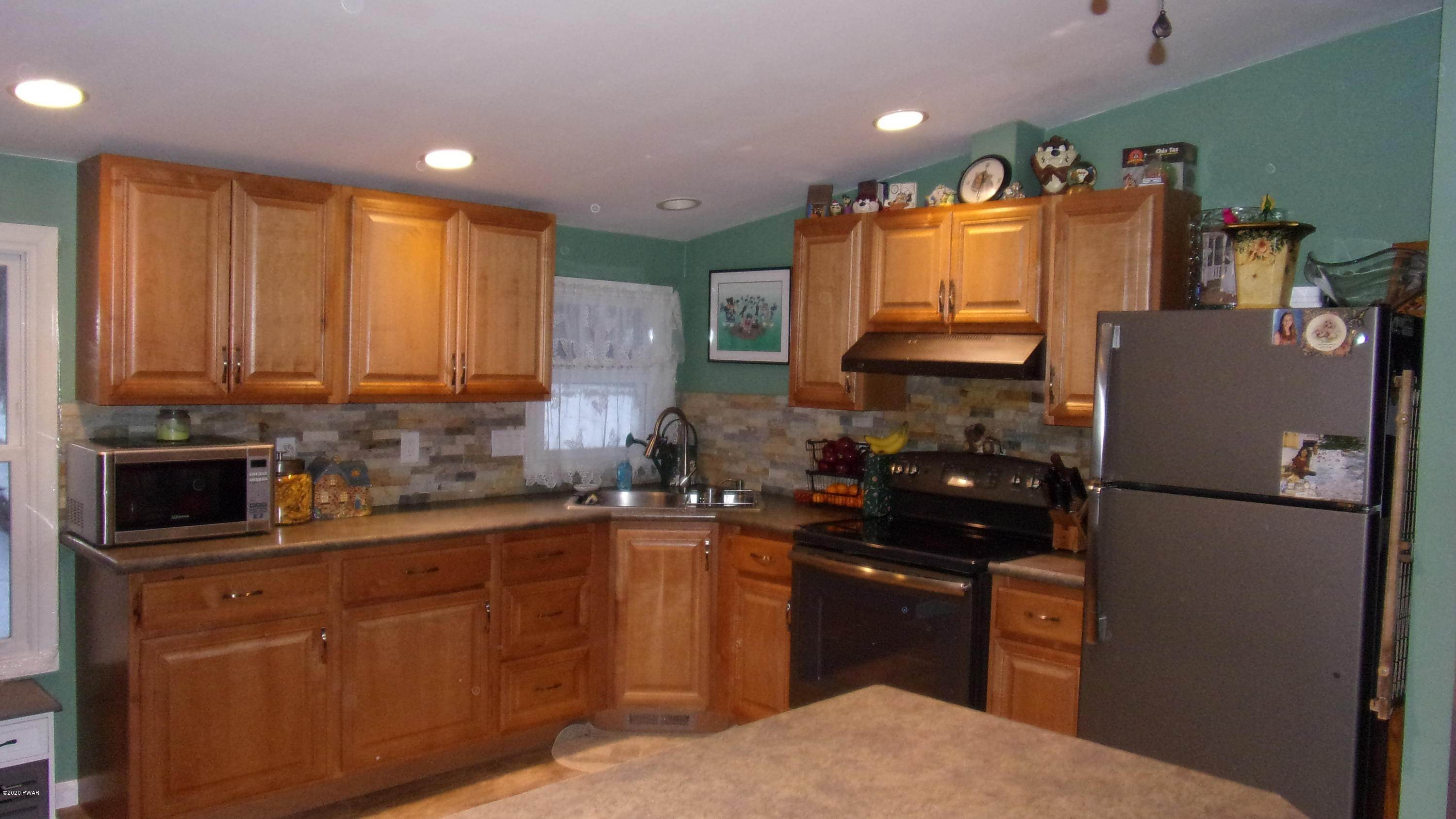 Single Family Homes for Sale at 283 Bortree Rd Moscow, Pennsylvania 18444 United States