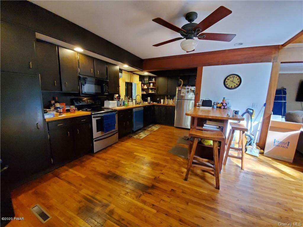 11. Single Family Homes for Sale at 4618 Ny-97 Narrowsburg, New York 12764 United States