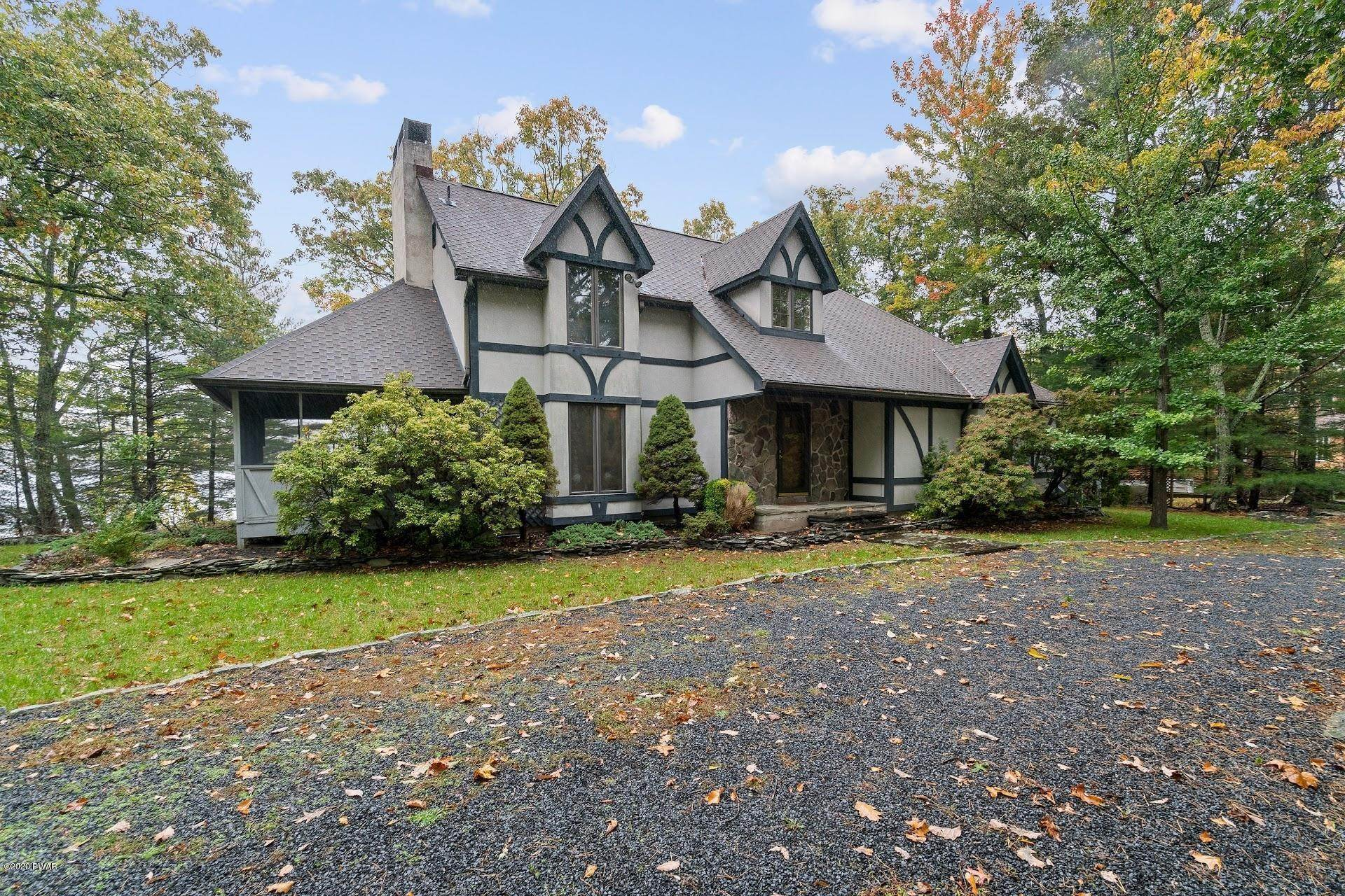 50. Single Family Homes for Sale at 114 Miller Ct Milford, Pennsylvania 18337 United States