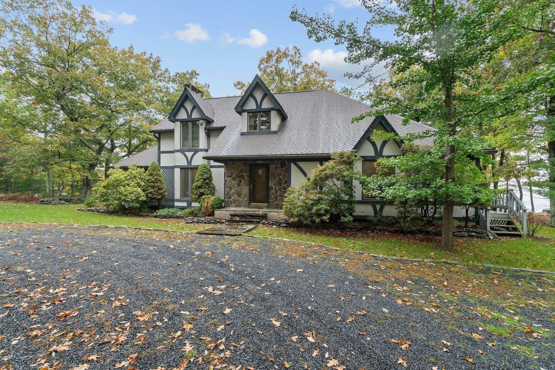 52. Single Family Homes for Sale at 114 Miller Ct Milford, Pennsylvania 18337 United States