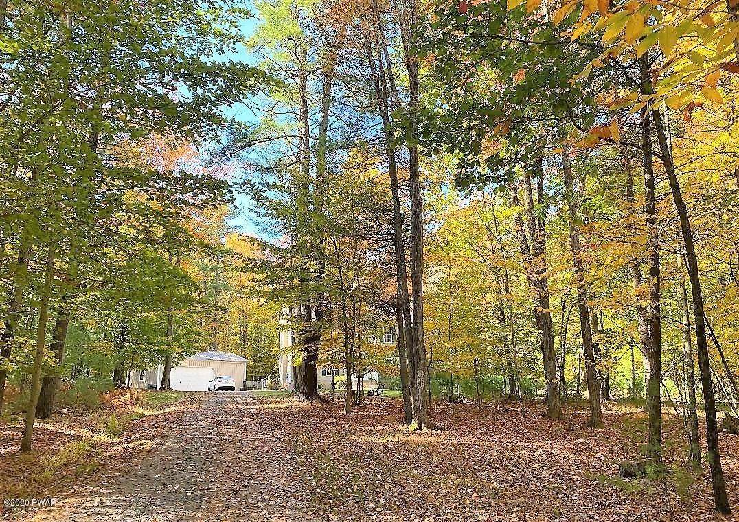 53. Single Family Homes for Sale at 59 Deer Run Rd Lakeville, Pennsylvania 18438 United States