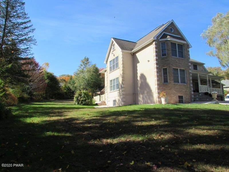 57. Single Family Homes for Sale at 102 Basswood Dr Lords Valley, Pennsylvania 18428 United States