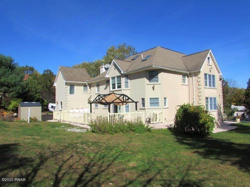 56. Single Family Homes for Sale at 102 Basswood Dr Lords Valley, Pennsylvania 18428 United States