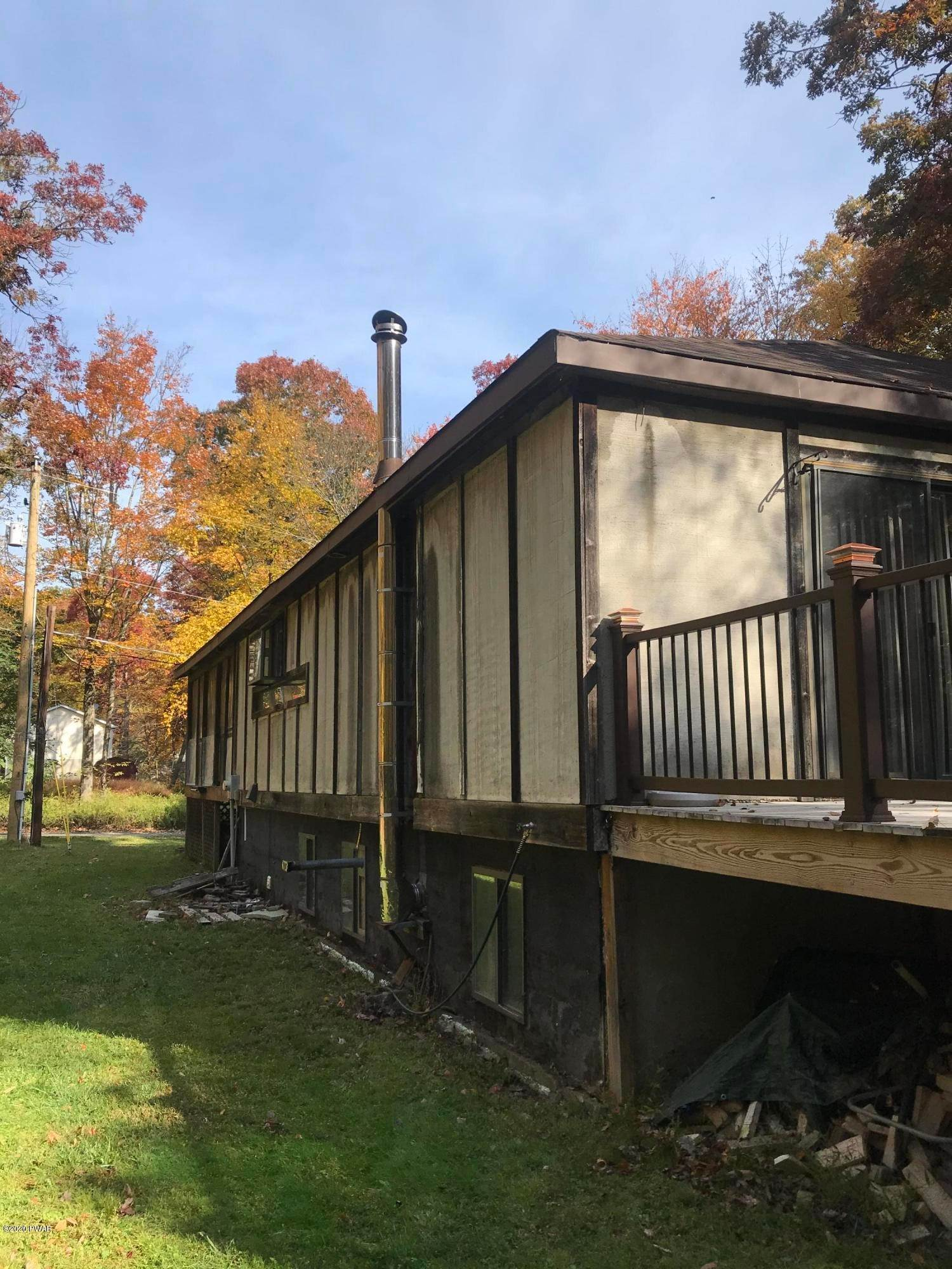 6. Single Family Homes for Sale at 102 Allyson Ln Shohola, Pennsylvania 18458 United States