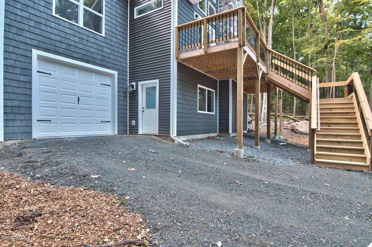 3. Single Family Homes for Sale at 119 Andiron Way Lackawaxen, Pennsylvania 18435 United States