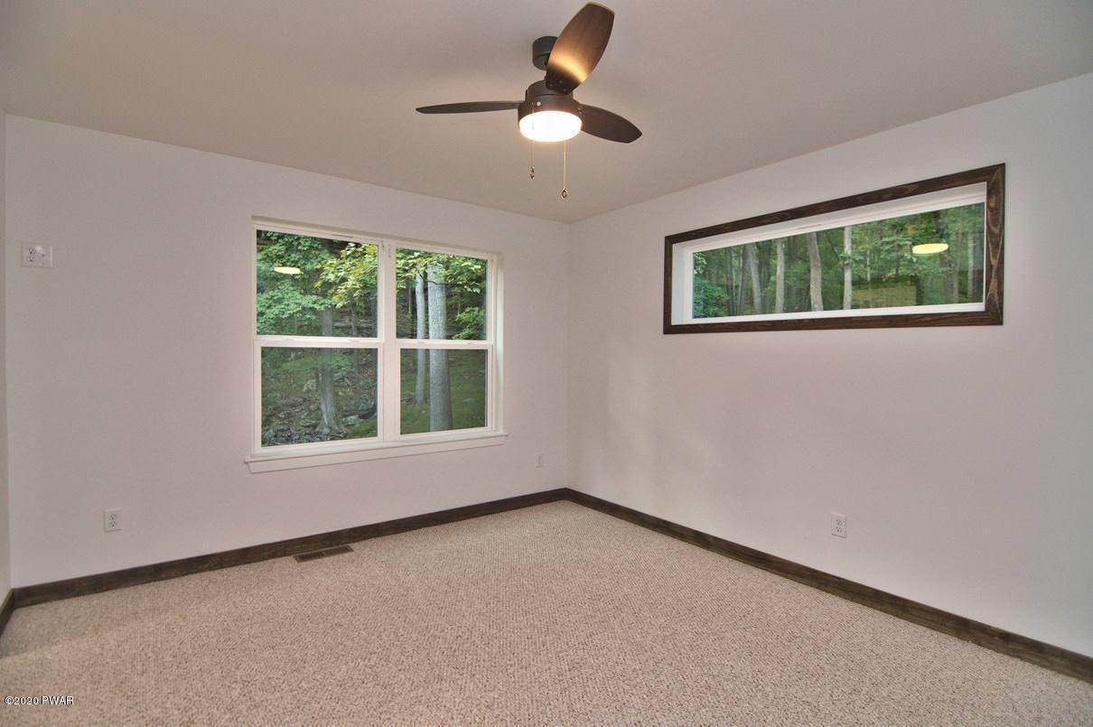 47. Single Family Homes for Sale at 119 Andiron Way Lackawaxen, Pennsylvania 18435 United States
