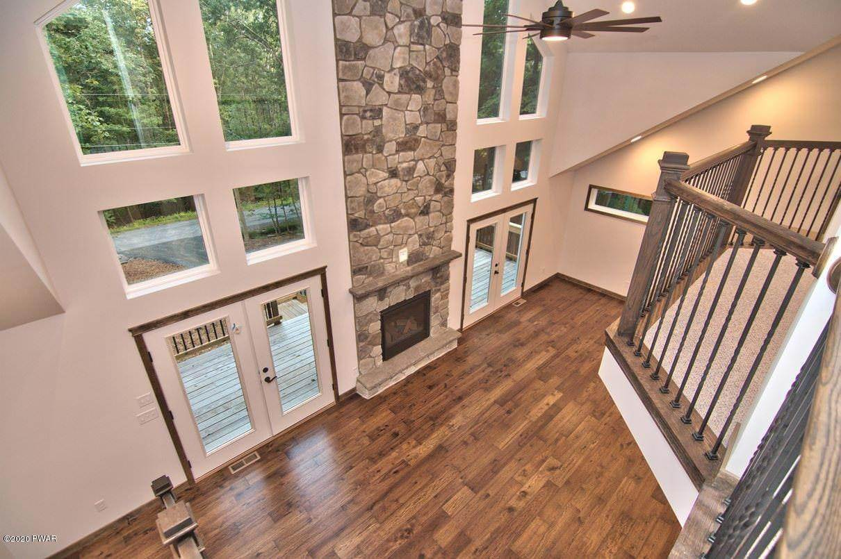 61. Single Family Homes for Sale at 119 Andiron Way Lackawaxen, Pennsylvania 18435 United States