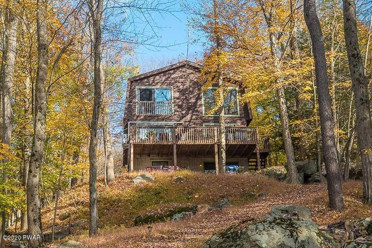 42. Single Family Homes for Sale at 25 Roamingwood Rd Lake Ariel, Pennsylvania 18436 United States