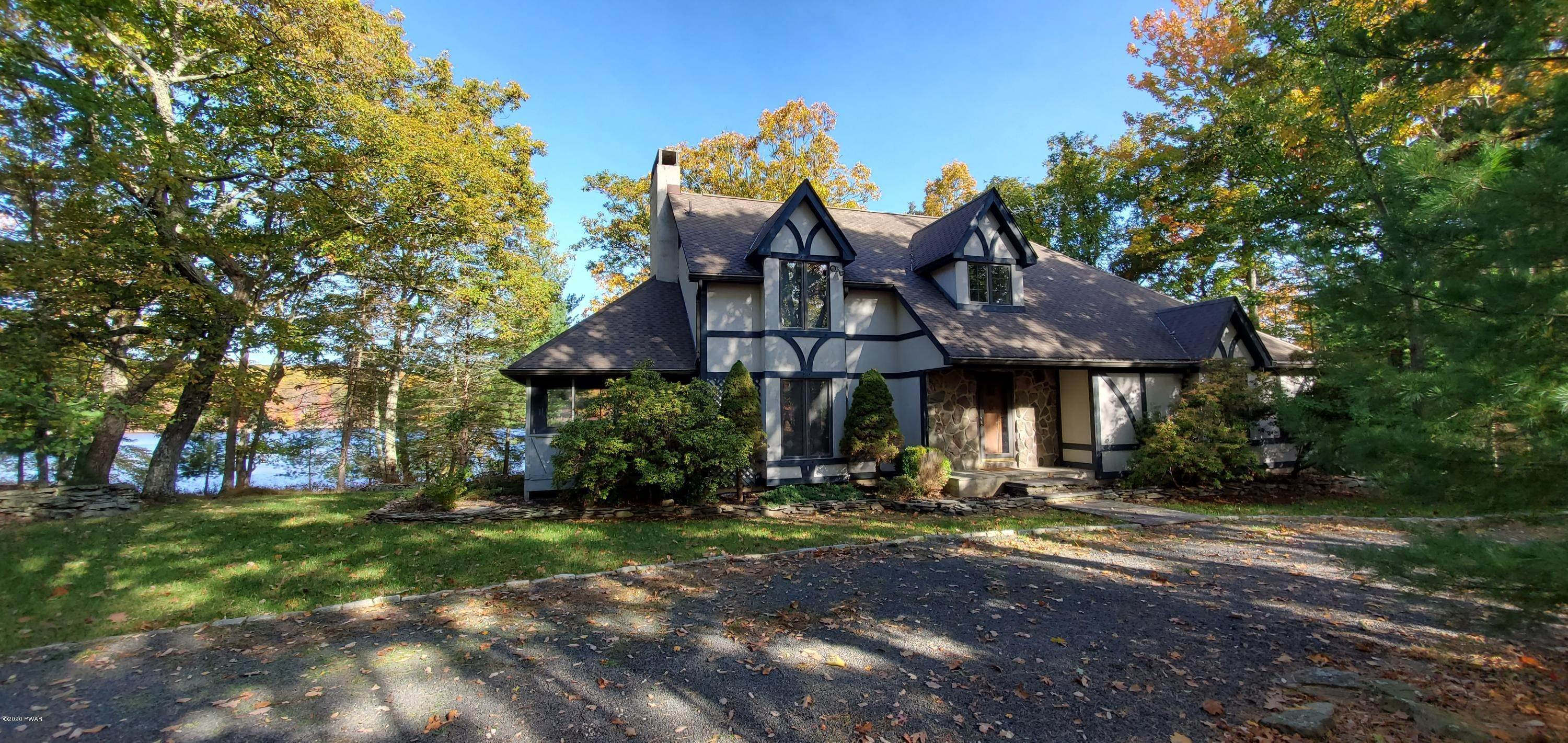 2. Single Family Homes for Sale at 114 Miller Ct Milford, Pennsylvania 18337 United States