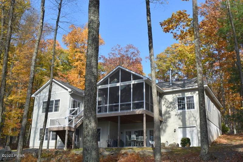 3. Single Family Homes for Sale at 39 Twin Pond Way Hawley, Pennsylvania 18428 United States