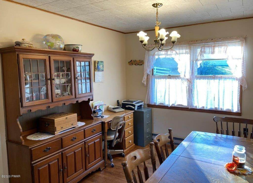 26. Single Family Homes for Sale at 20 Little Spring Ln Beach Lake, Pennsylvania 18405 United States
