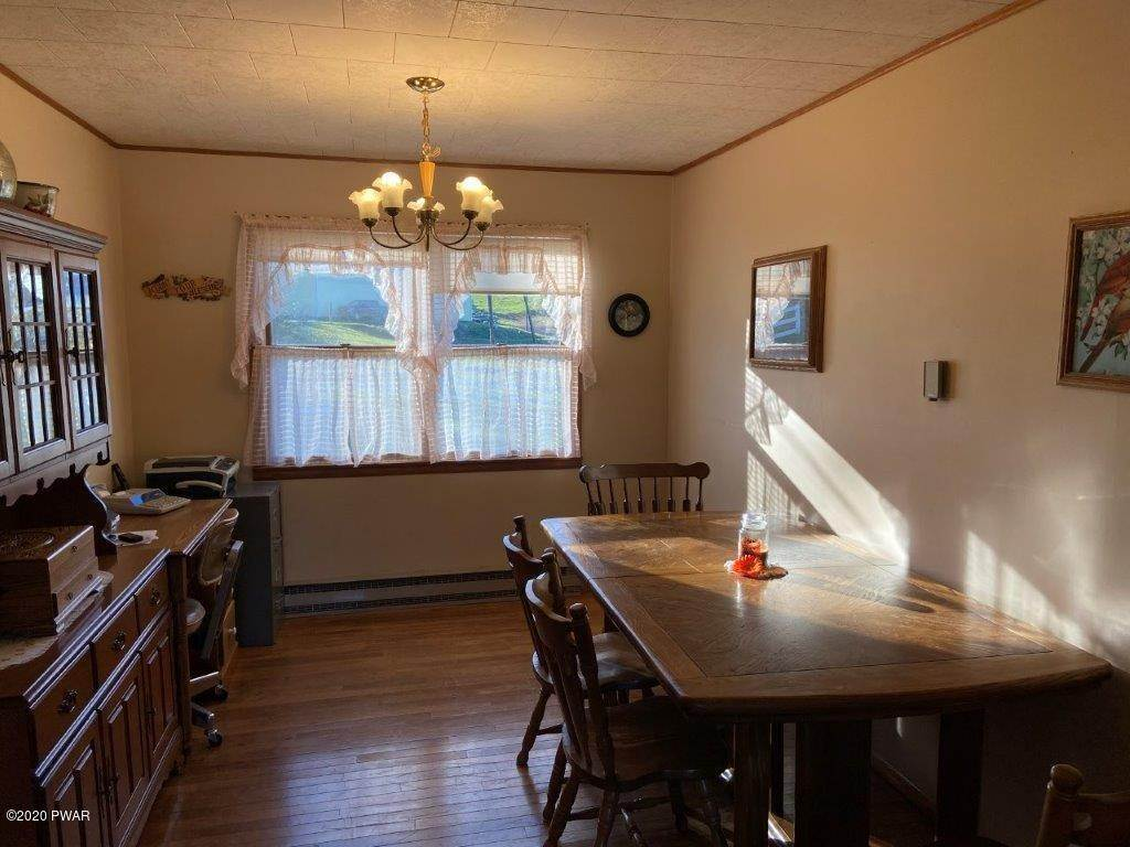 25. Single Family Homes for Sale at 20 Little Spring Ln Beach Lake, Pennsylvania 18405 United States