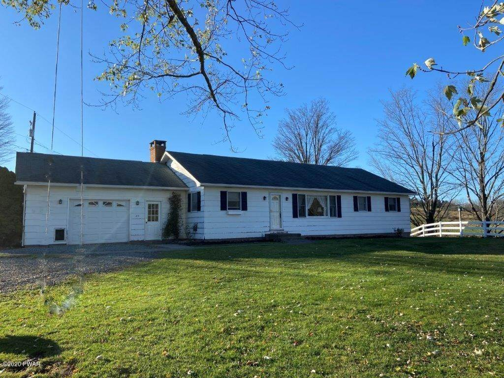 2. Single Family Homes for Sale at 20 Little Spring Ln Beach Lake, Pennsylvania 18405 United States