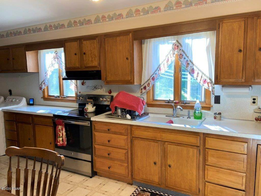 19. Single Family Homes for Sale at 20 Little Spring Ln Beach Lake, Pennsylvania 18405 United States