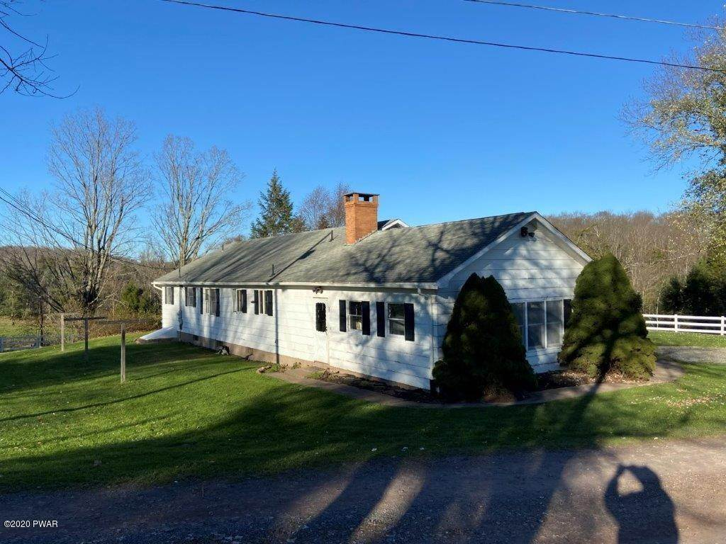 45. Single Family Homes for Sale at 20 Little Spring Ln Beach Lake, Pennsylvania 18405 United States