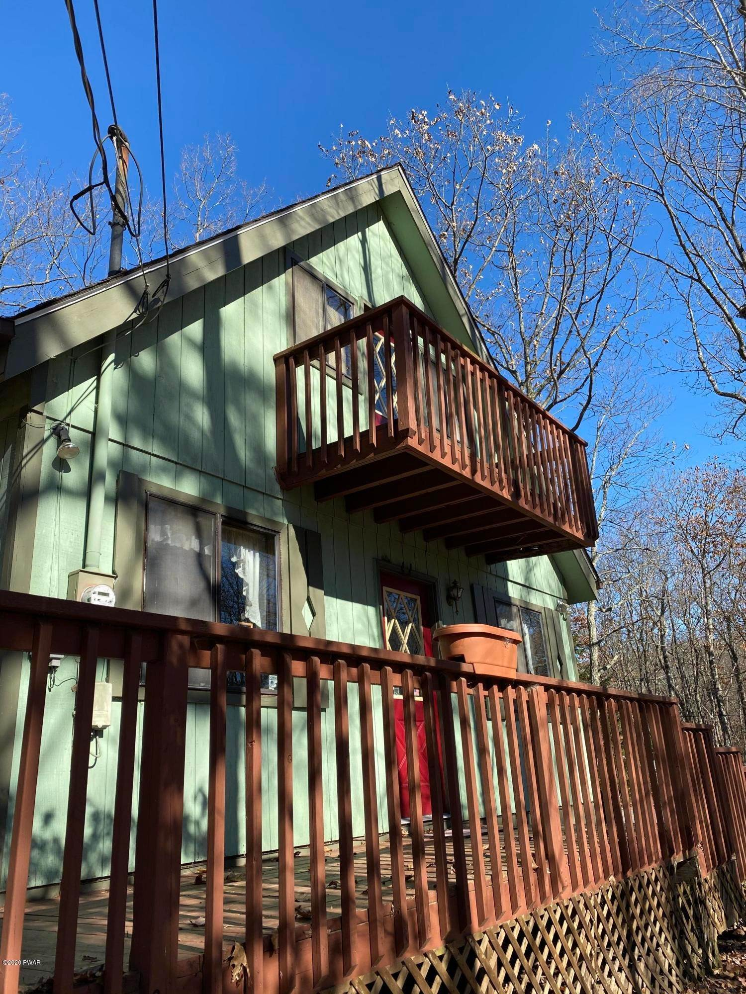 7. Single Family Homes for Sale at 104 Longspur Ln Lords Valley, Pennsylvania 18428 United States