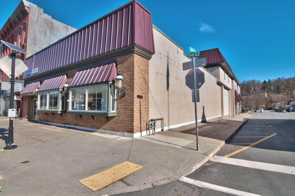 Commercial for Sale at 107 8th St Honesdale, Pennsylvania 18431 United States