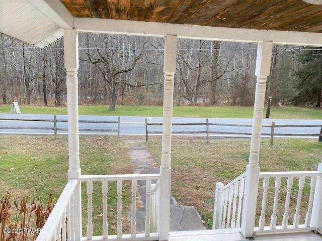 20. Single Family Homes for Sale at 961 Pa-590 Lackawaxen, Pennsylvania 18435 United States
