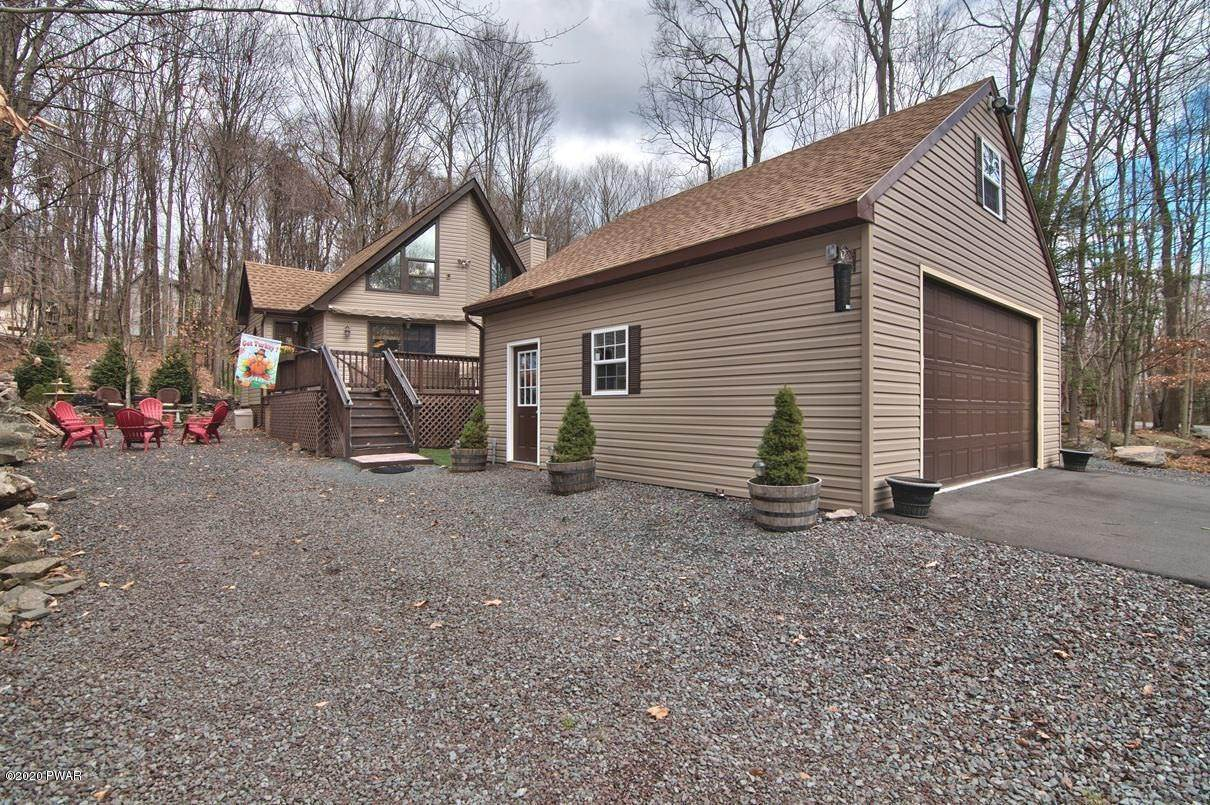 Single Family Homes for Sale at 722 Wildwood Ter Lake Ariel, Pennsylvania 18436 United States