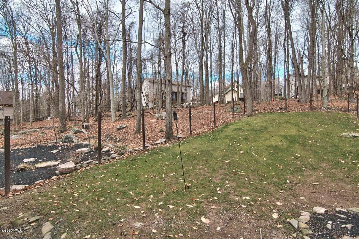 47. Single Family Homes for Sale at 722 Wildwood Ter Lake Ariel, Pennsylvania 18436 United States