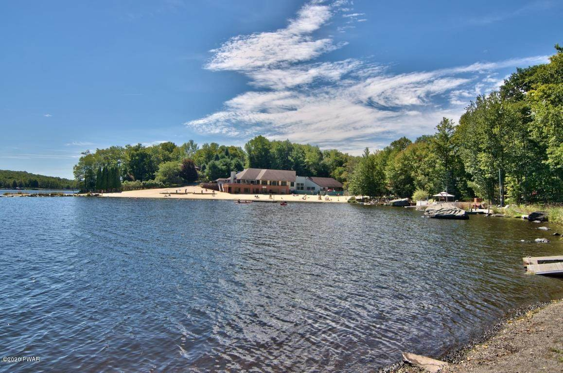 81. Single Family Homes for Sale at 722 Wildwood Ter Lake Ariel, Pennsylvania 18436 United States