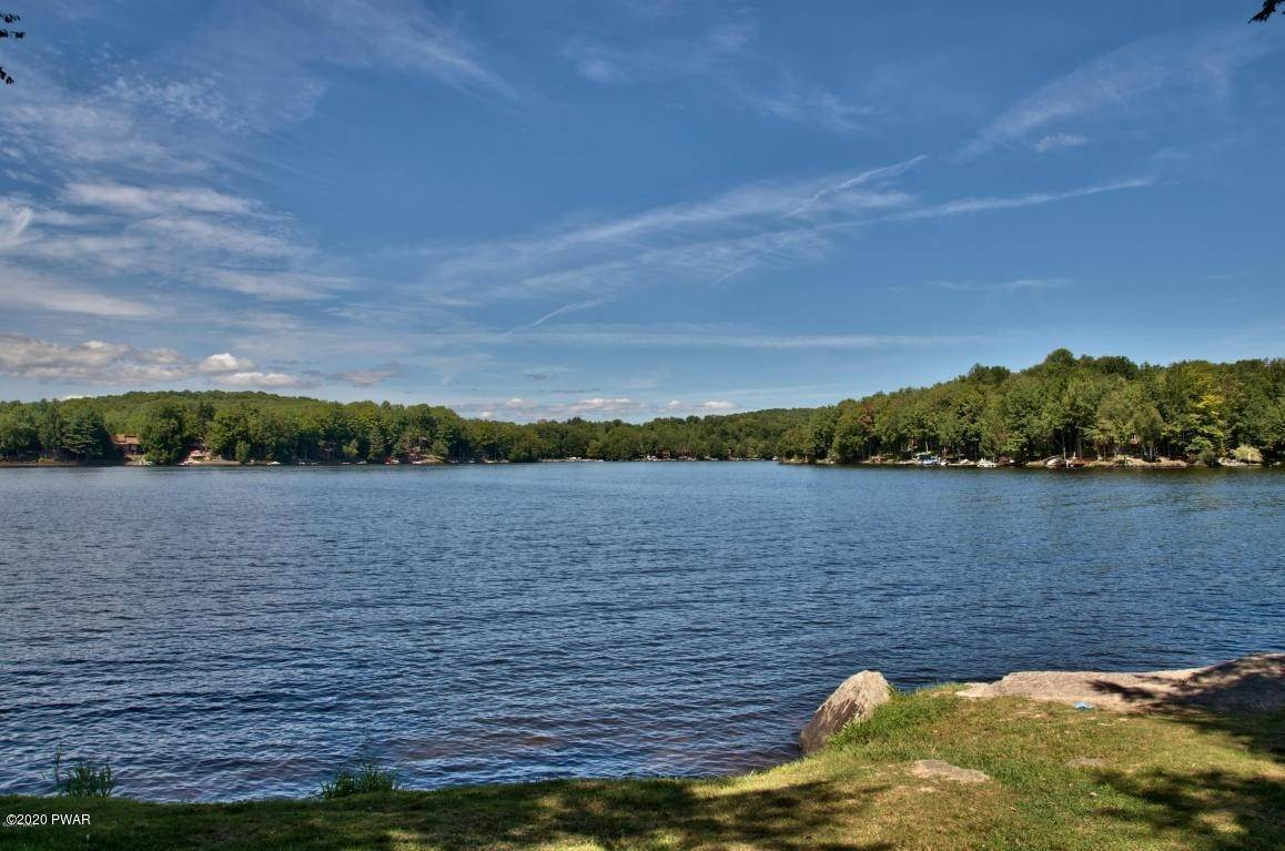 96. Single Family Homes for Sale at 722 Wildwood Ter Lake Ariel, Pennsylvania 18436 United States