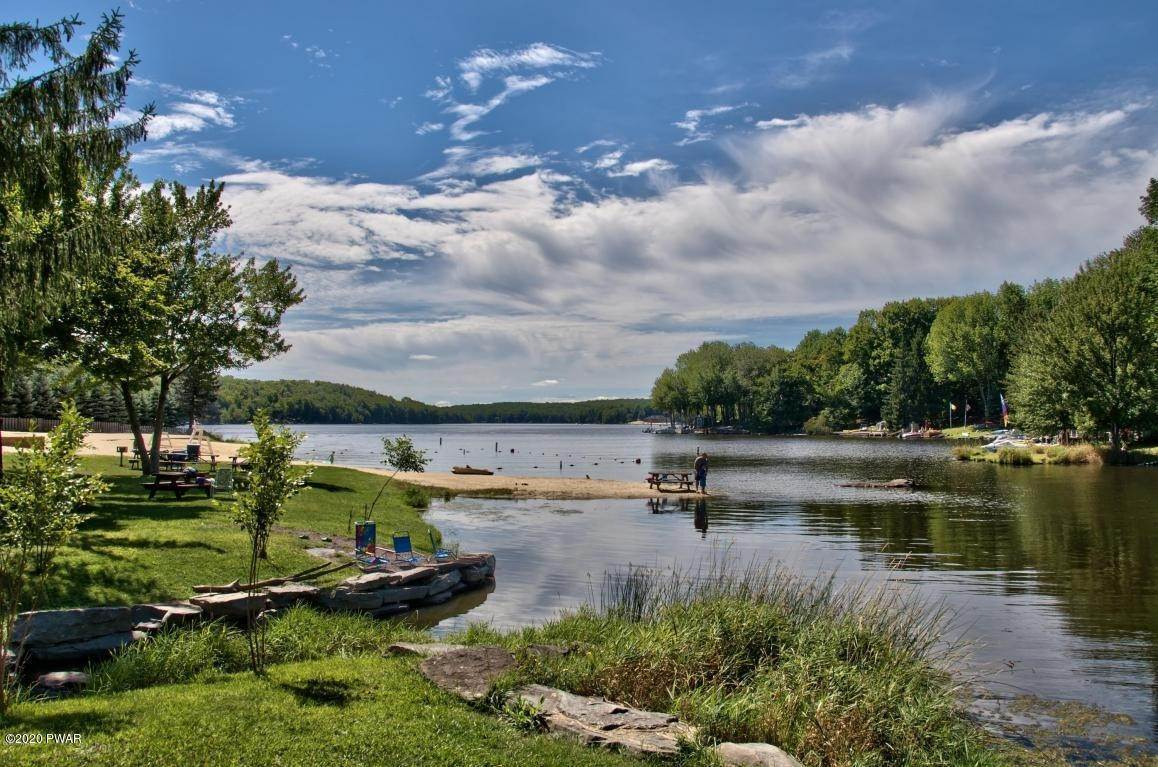 98. Single Family Homes for Sale at 722 Wildwood Ter Lake Ariel, Pennsylvania 18436 United States