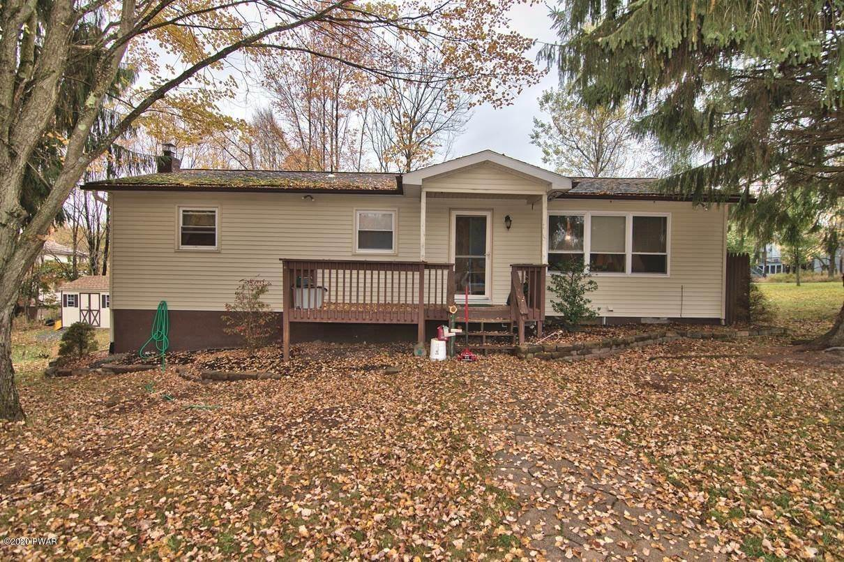 Single Family Homes for Sale at 2094 Glenwood Ln Lake Ariel, Pennsylvania 18436 United States