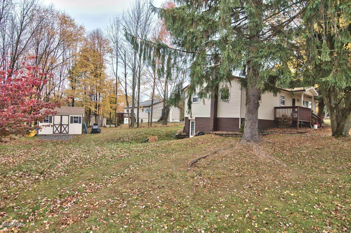 2. Single Family Homes for Sale at 2094 Glenwood Ln Lake Ariel, Pennsylvania 18436 United States