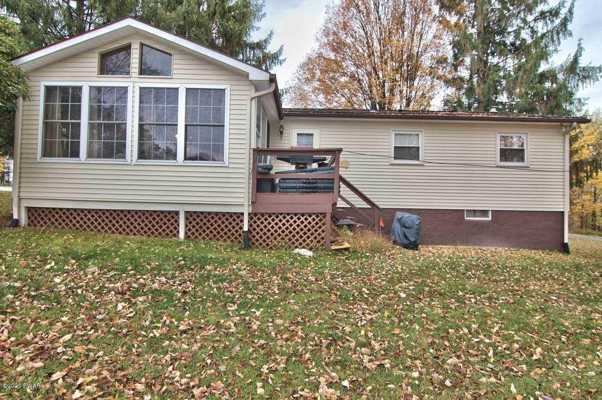 31. Single Family Homes for Sale at 2094 Glenwood Ln Lake Ariel, Pennsylvania 18436 United States