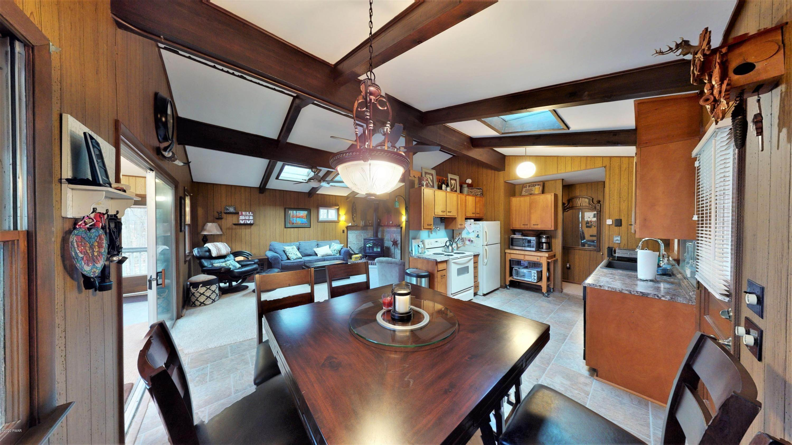 11. Single Family Homes for Sale at 115 Hickory Drive Lords Valley, Pennsylvania 18428 United States